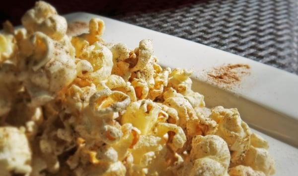 Holiday-Spiced-Popcorn